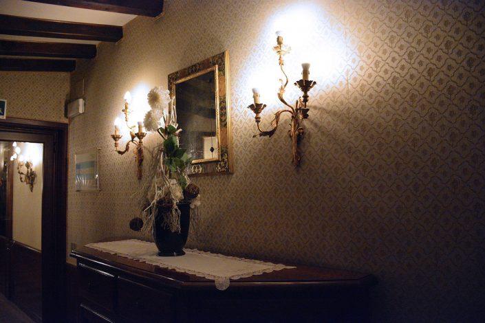 dettaglio corridoio hotel venezia