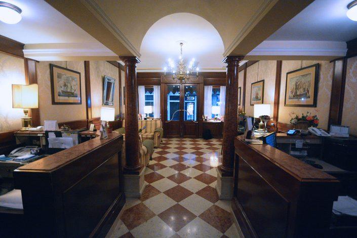 atrio albergo last minute venezia