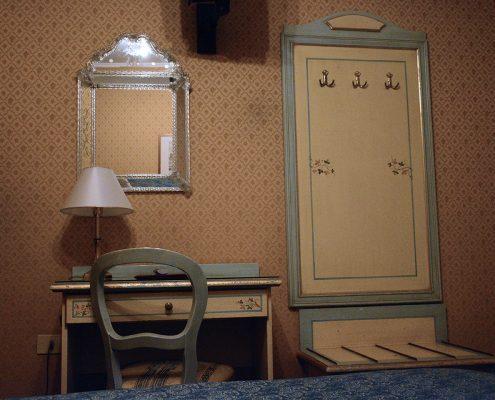 dettaglio stanza hotel 2 stelle venezia