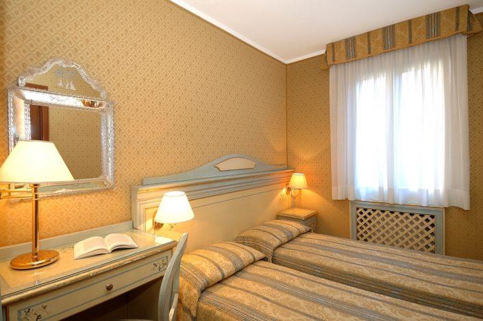 stanza in albergo economico a venezia