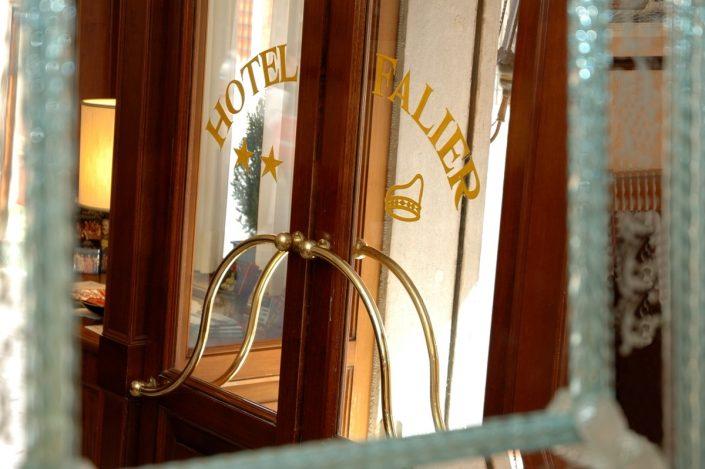 ingresso albergo venezia centro