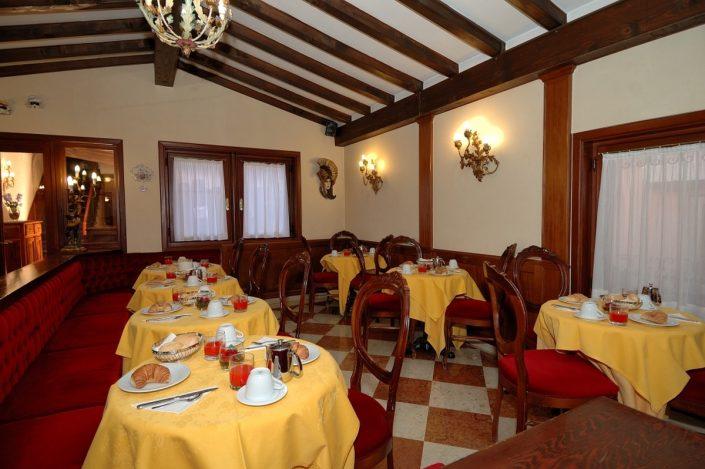 sala colazione hotel venezia centro