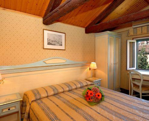 albergo due stelle venezia camera matrimoniale