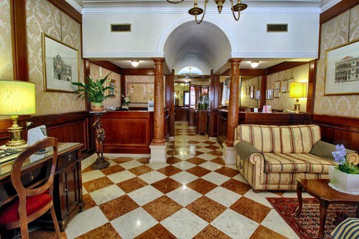 foto hotel venezia ingresso